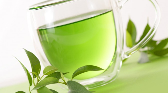 Alimente CARE ARD GRĂSIMEA: Propunerea #4 – Ceai Verde Tonic și Energizant