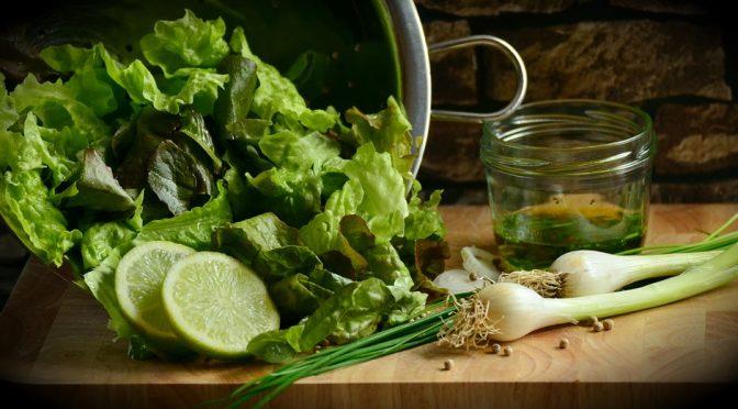 Beneficiile consumului de salată verde