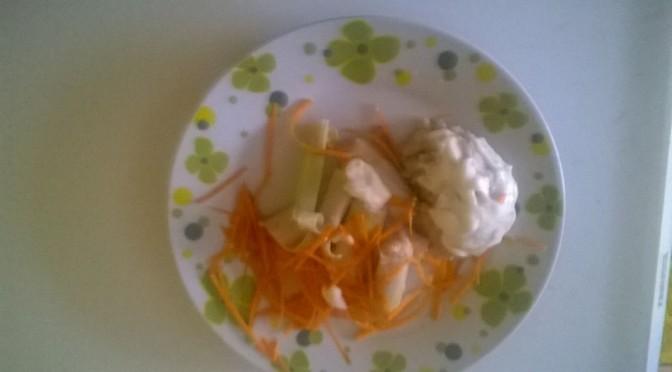 Salată Rapidă de Post: Salată cu Conopidă, Nucă, Chimen, Praz și Maioneză Vegetală