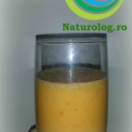 smoothie-banană-kaki-mandarină